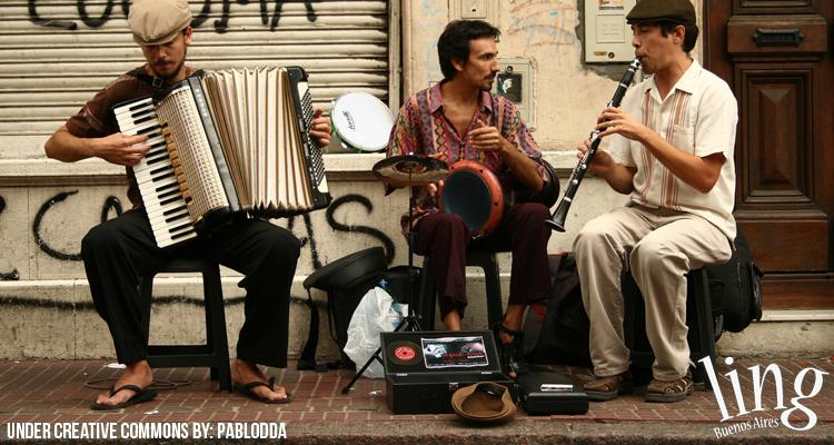 Espectáculo callejero en San Telmo