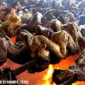 Comer asado en el campo