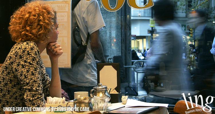Visitar los bares de calle Corrientes